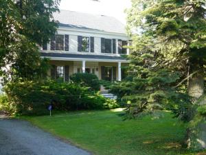 Tea House in Glen Road location